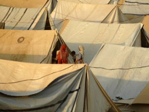 The camp in Swabi is spread over two locations in Shah Mansoor, providing shelter for 20,000 people (Jeroen Oerlemans/Netherlands Red Cross )